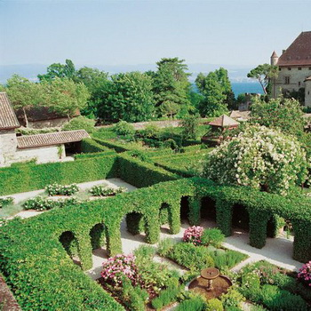 Зеленый кабинет в саду